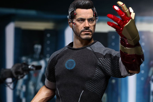 hot-toys-iron-man-3-tony-stark-limited-edition-collectible-figure-3