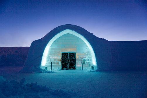 inside-swedens-icehotel-2
