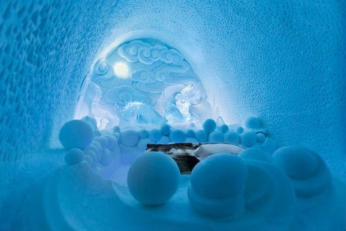 inside-swedens-icehotel-3
