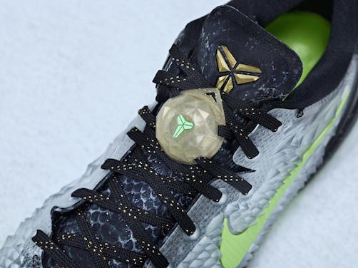 Nike_BBall_XMAS_KOBE_LOCK_25949