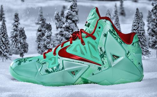 Nike_BBall_XMAS_LBJXI_HERO_SNOW_25953