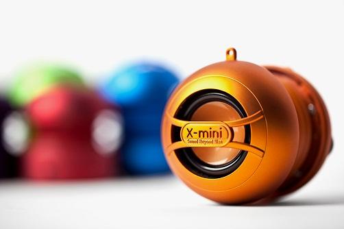 x-mini-2013-fallwinter-bluetooth-speakers-1
