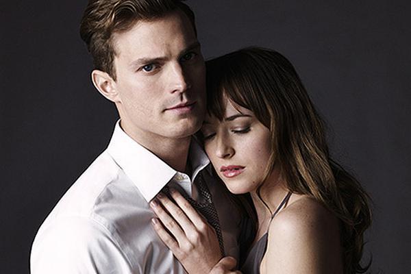 Fifty-Shades-Of-Grey-Movie-still-ft.-Jamie-Dornan-and-Dakota-Johnson