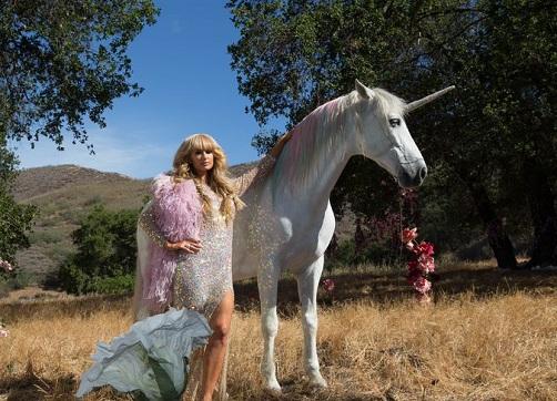 Paris-Hilton-Come-Alive-Video