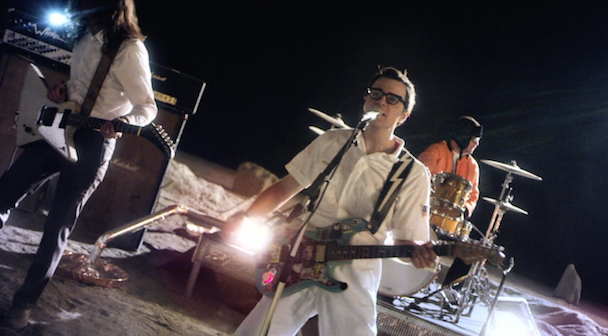 weezer-back-shack-video