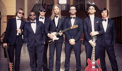 Maroon-5-Adam-Levine-Wedding-Crashers-665x385