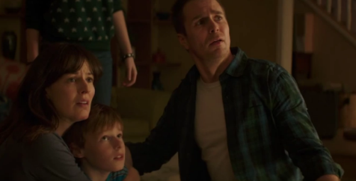 Poltergeist-2015-family-photo-Sam-Rockwell-Rosemarie-DeWitt